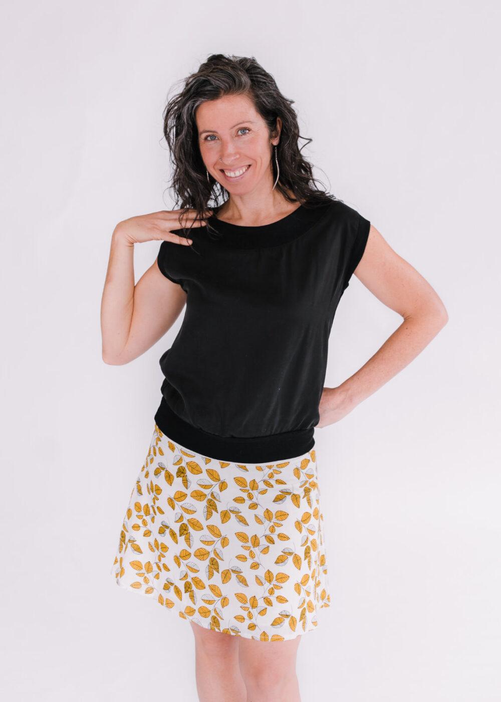 Top Jasmine noir et jupe Soleil jaune