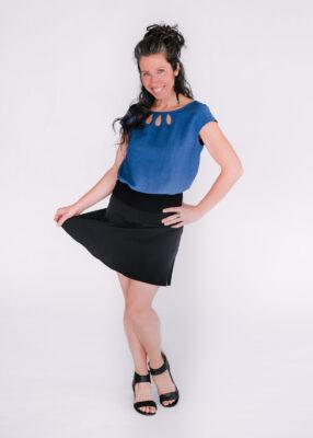 Top Rosée bleu et jupe Soleil noire